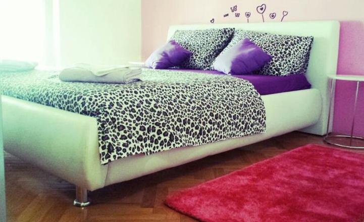 Split,Croatia,3 Bedrooms Bedrooms,1 BathroomBathrooms,Apartment,1103
