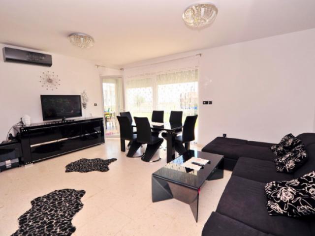 Novalja,Croatia,2 Bedrooms Bedrooms,1 BathroomBathrooms,Apartment,1117