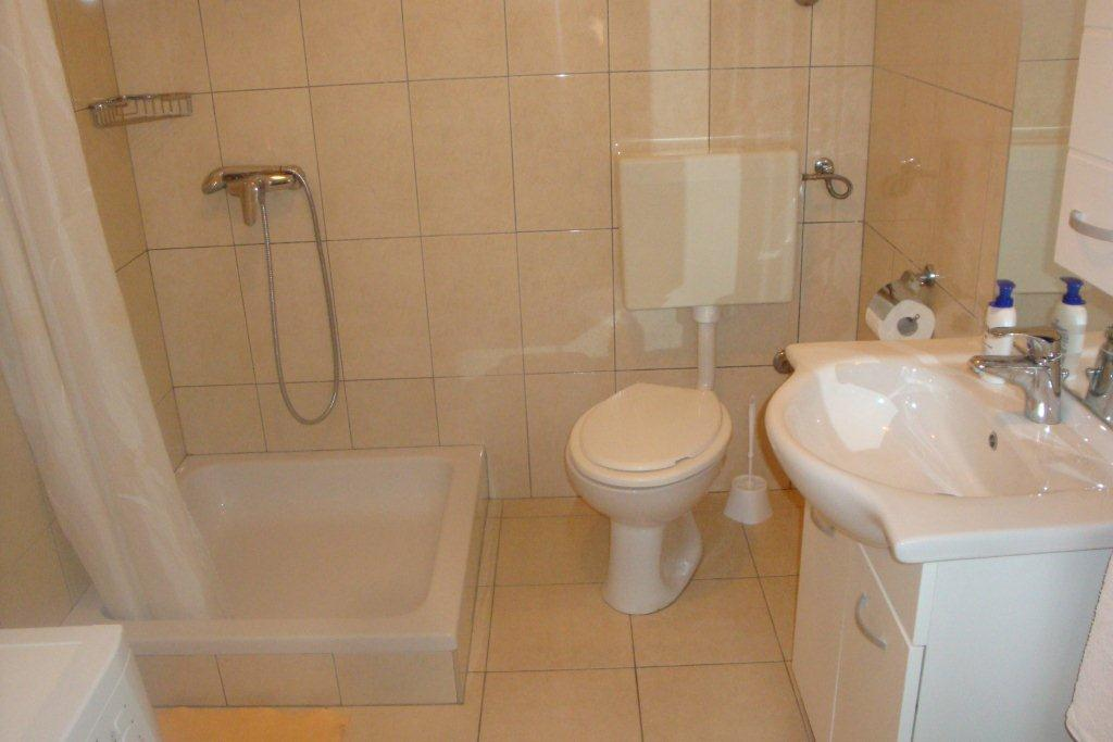 Tisno,Croatia,2 Bedrooms Bedrooms,1 BathroomBathrooms,Apartment,1121