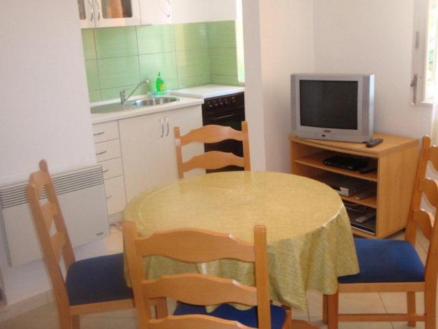 Tisno,Croatia,2 Bedrooms Bedrooms,1 BathroomBathrooms,Apartment,1121