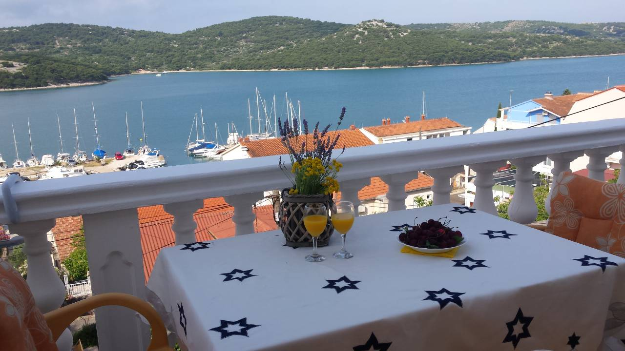 Tisno,Croatia,2 Bedrooms Bedrooms,1 BathroomBathrooms,Apartment,1132