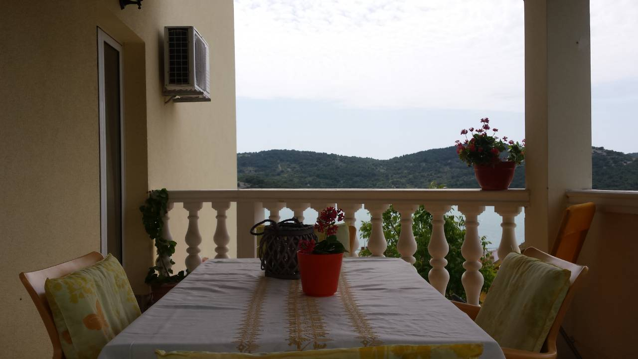 Tisno,Croatia,2 Bedrooms Bedrooms,1 BathroomBathrooms,Apartment,1134
