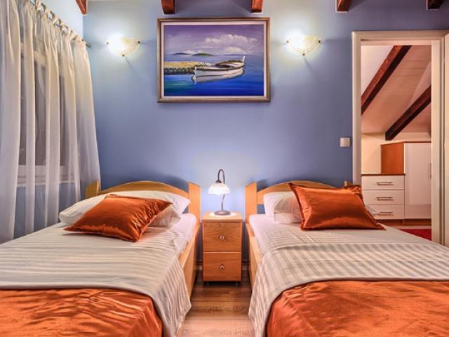 Split,Croatia,4 Bedrooms Bedrooms,2 BathroomsBathrooms,Villa,1146