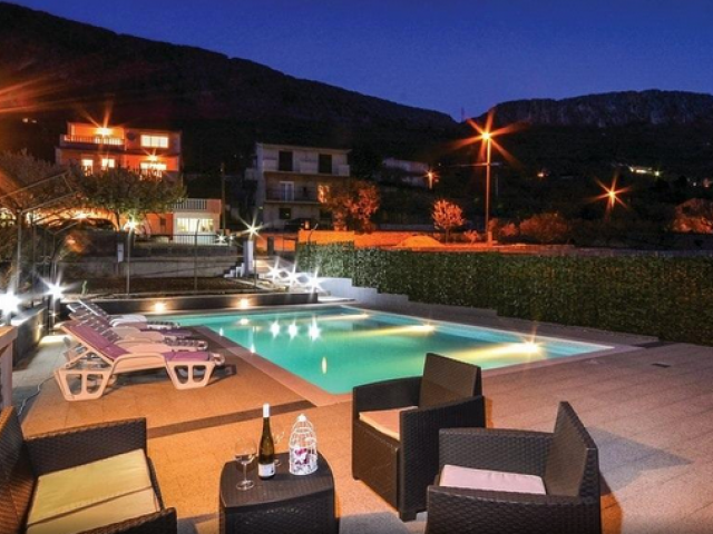 Split,Croatia,5 Bedrooms Bedrooms,3 BathroomsBathrooms,Villa,1147