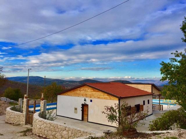 Split,CROATIA,5 Bedrooms Bedrooms,2 BathroomsBathrooms,Villa,1015