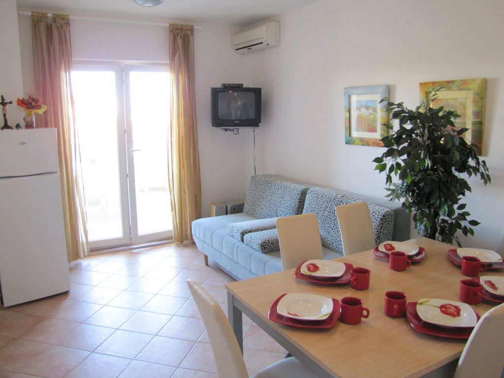Novalja,Croatia 53291,2 Bedrooms Bedrooms,1 BathroomBathrooms,Apartment,1020