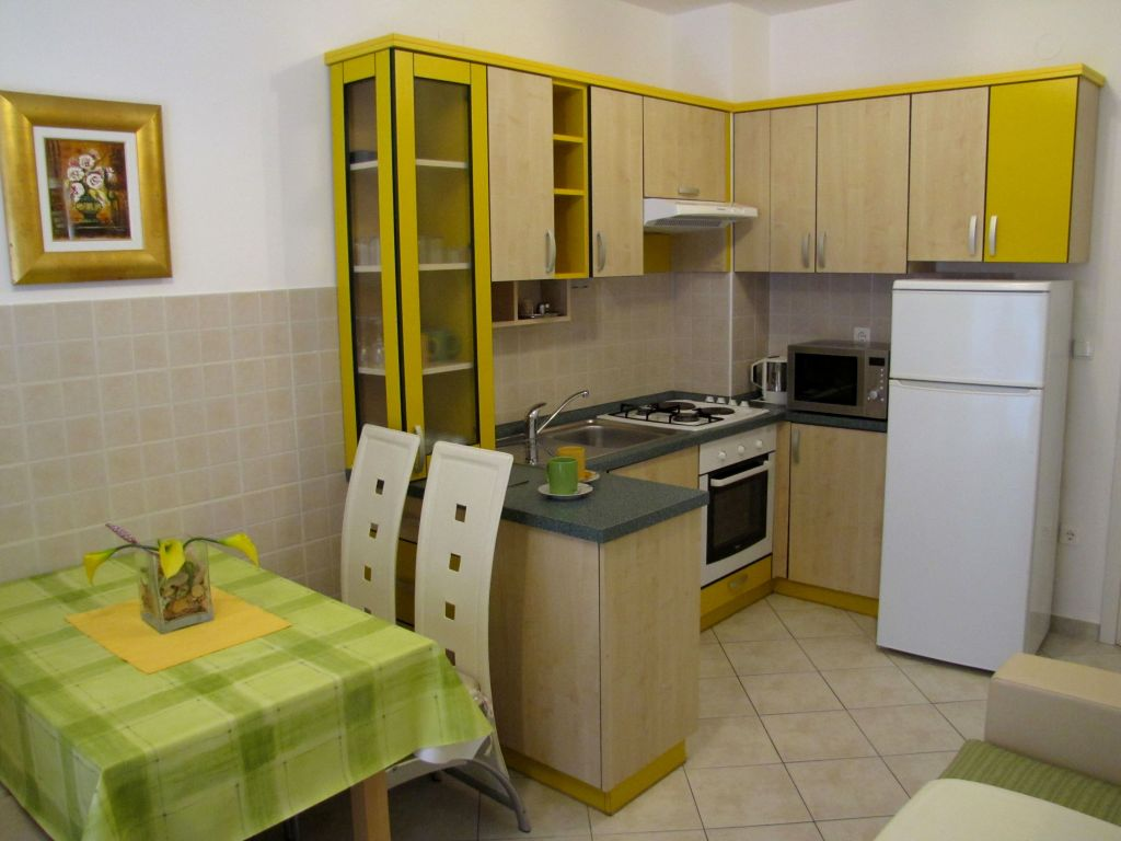53291,Novalja,Croatia,2 Bedrooms Bedrooms,1 BathroomBathrooms,Apartment,1023