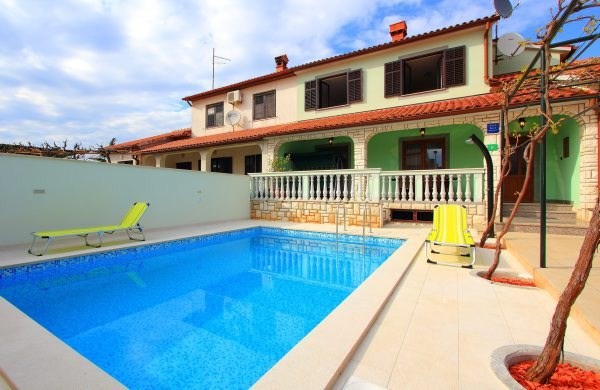 Stinjan,Croatia,3 Bedrooms Bedrooms,2 BathroomsBathrooms,Villa,1027