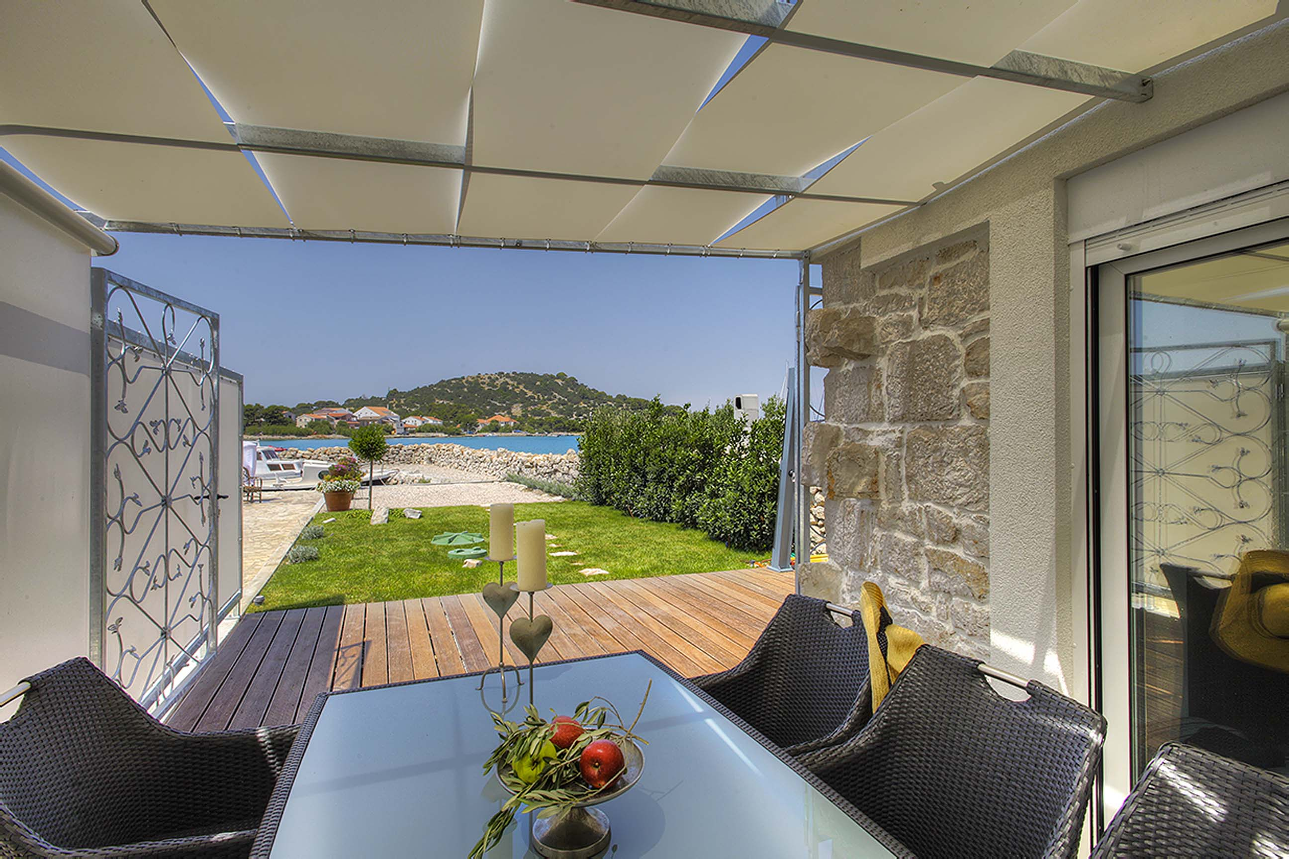 Tisno,Croatia,2 Bedrooms Bedrooms,1 BathroomBathrooms,Villa,1037