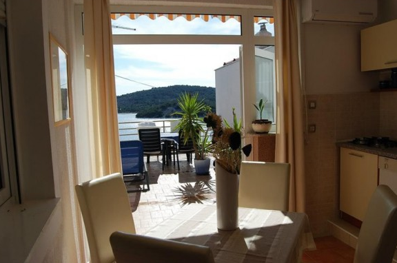 Tisno,Croatia,2 Bedrooms Bedrooms,1 BathroomBathrooms,Apartment,1084