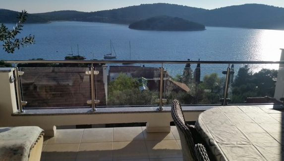 Tisno,Croatia,2 Bedrooms Bedrooms,2 BathroomsBathrooms,Apartment,1086